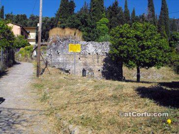 Benitses - Römische Bäder auf Korfu