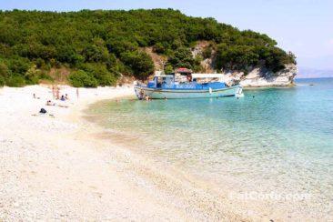 Strand - mit einer Bootsfahrt
