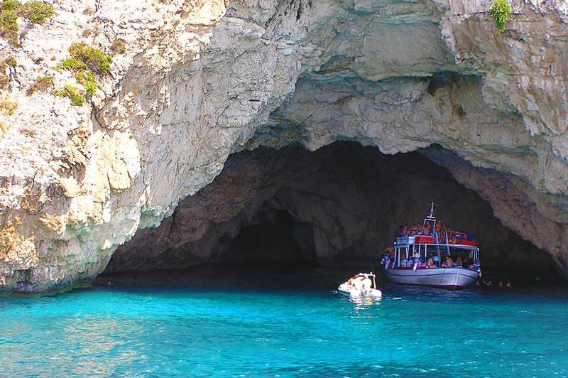 Höhlen an der Westküste von Paxos