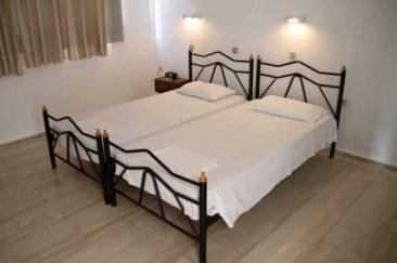 El Greco Hotel in Benitses - Zimmer