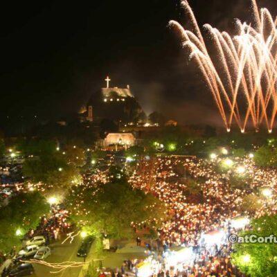 Ostern in Korfu - Feuerwerk