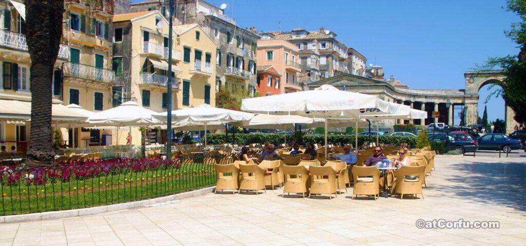 Kofinetta auf Liston Korfu