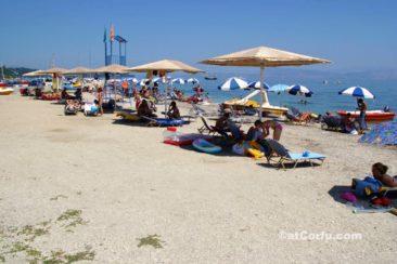 Μπενίτσες - παραλία στο λιμάνι