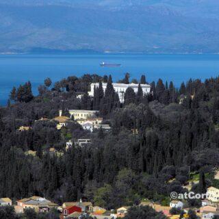 Μπενίτσες - το Αχίλλειο από Αγίους Δέκα