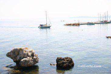 Μπενίτσες - πλοίο κοντά στη Λαόπετρα