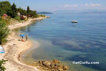 Μπενίτσες - παραλία στην περιοχή Λημέρι