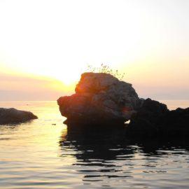 Μπενίτσες - Στις πέτρες της Λαόπετρας