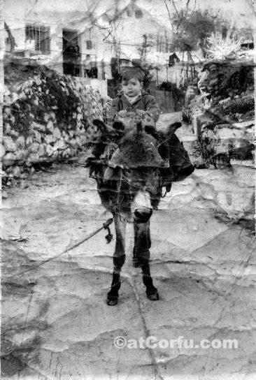 Μπενίτσες - Αλέκος αρτζώκας στο γάϊδαρο 1970
