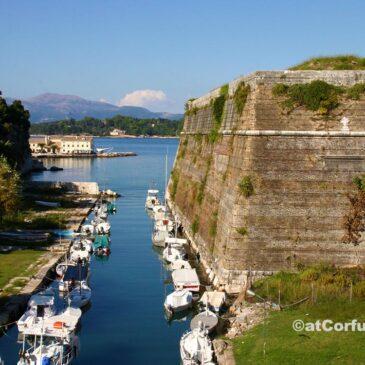 Κέρκυρα φωτογραφίες - Κόντρα φόσσα στο παλιό φρούριο