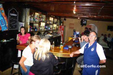 Μπενίτσες - Lacey`s pub