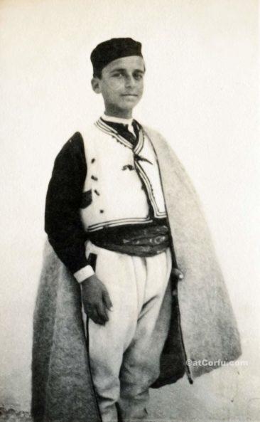 Παλιές φωτογραφίες της Κέρκυρας- νεαρός βοσκός-1930