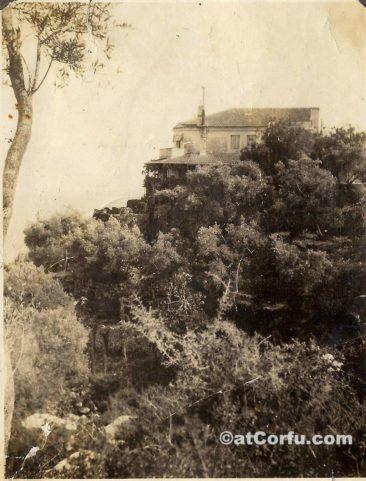 Μπενίτσες - στη φάρμα Παρμενίδη