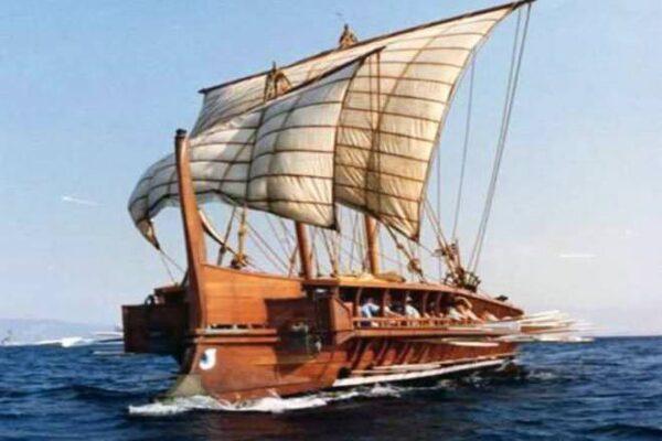 Μπενίτσες ιστορία - Αθηναϊκή τριήρης