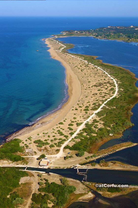 Κέρκυρα- παραλία Χαλικούνα και είσοδος λιμνοθάλασσας