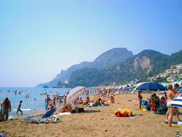 παραλία Γλυφάδα στην Κέρκυρα