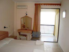 ξενοδοχείο Καρίνα στις Μπενίτσες - δωμάτια