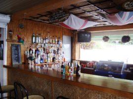 ξενοδοχείο Καρίνα στις Μπενίτσες - το μπαρ