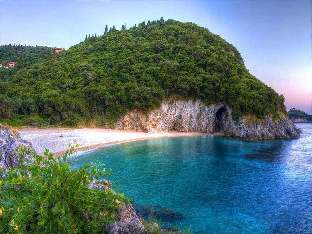 Παραλία Ροβινιά Κέρκυρα