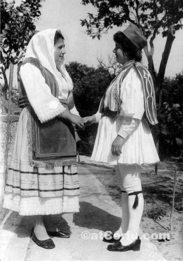 Benitses - Anna, Sofia1960