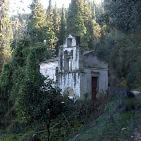 Μπενίτσες διακοπές - εκκλησάκι κάπου στο υδραγωγείο