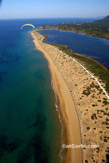 Κέρκυρα φωτογραφίες, η παραλία Χαλικούνας