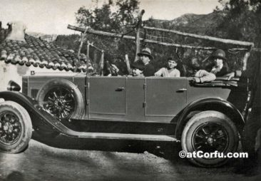 Benitses - Manesis family car at 1927
