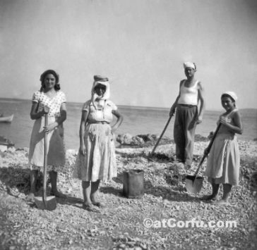 Benitses old photos, workers and fishermen of last century – group 3