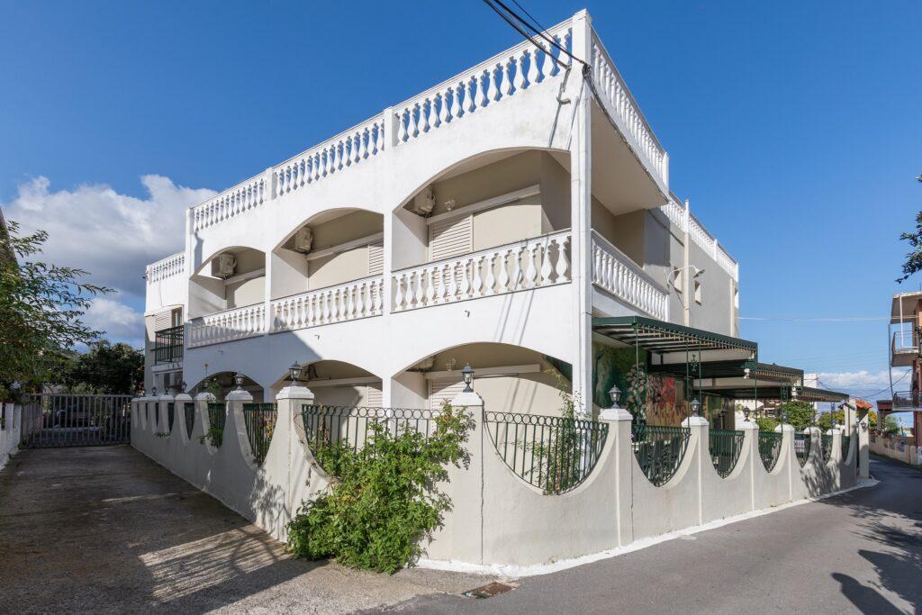Bella-Vista-hotel-Benitses-Corfu-exterior