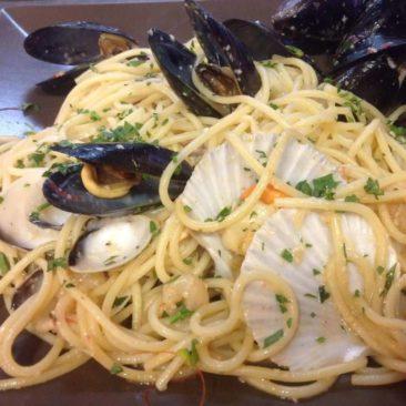 Μussels spaghetti by Captain Octopus